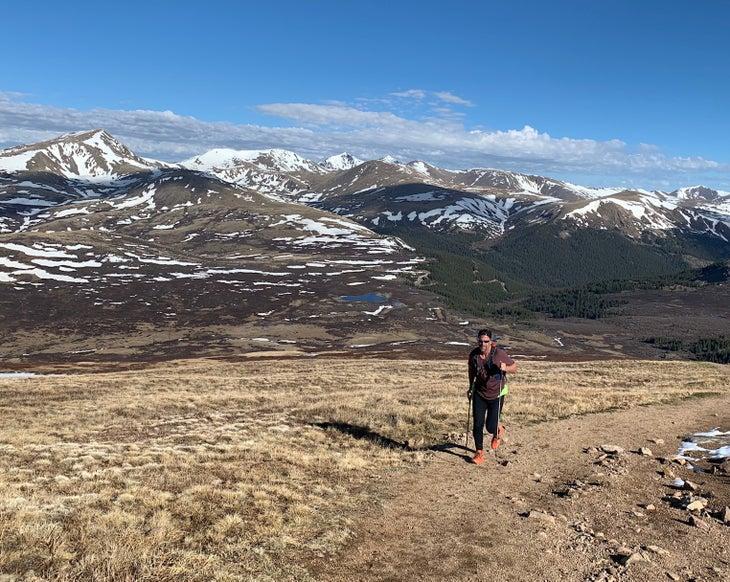 Metzler running up Bierstadt Una guía para correr los 14ers de Colorado